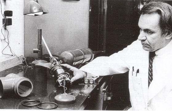 Dr. Jorge Reynolds Pombo, historia del marcapasos, cardiología, dispositivo de salud